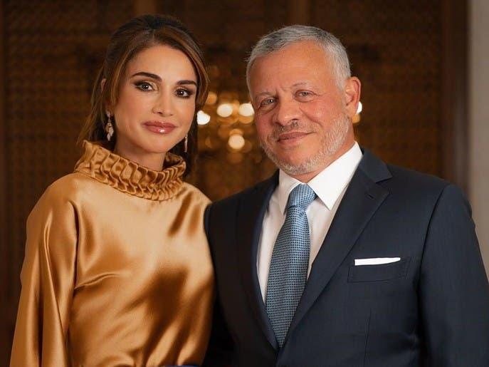 بالصور.. الملكة رانيا ترتدي أبرز لونين لهذا الموسم