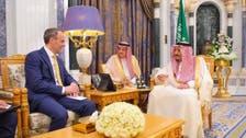 خادم الحرمين الشريفين يستقبل وزير خارجية بريطانيا