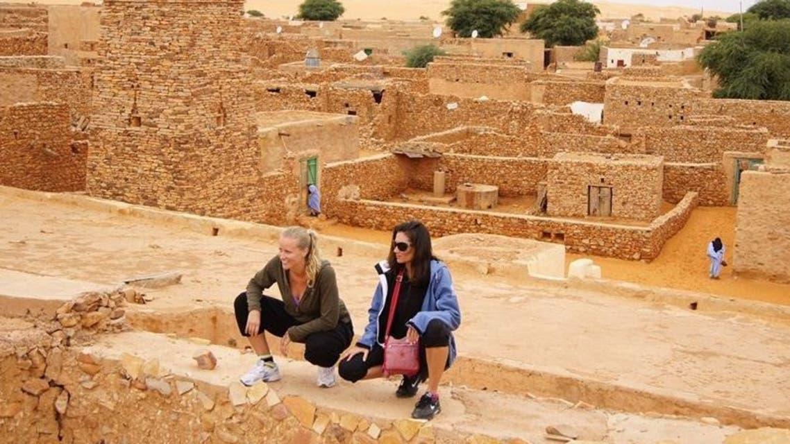 سائحتان في موريتانيا