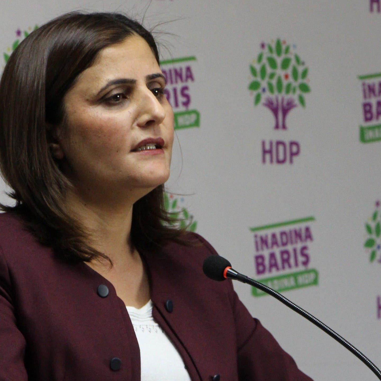 أزمة أردوغان ومعارضيه تتفاقم.. ونائبة: يريدنا بلا لسان