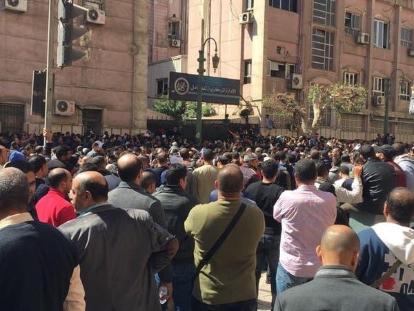 مصر.. زحام أمام معامل وزارة الصحة لإجراء تحليل كورونا
