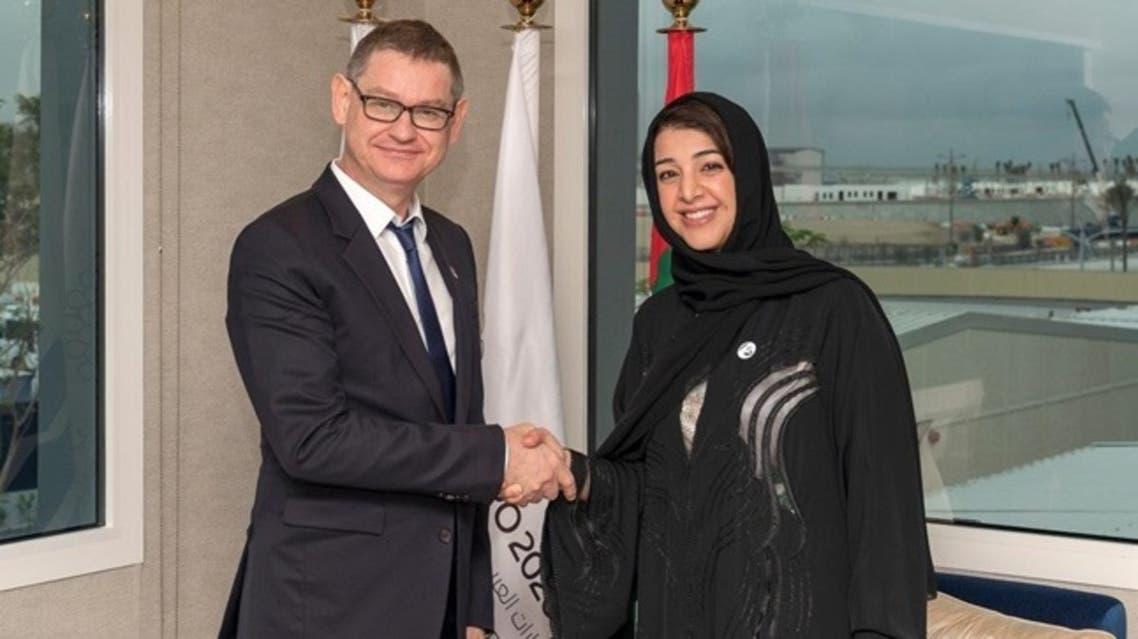 ريم الهاشمي وزيرة الدولة للتعاون الدولي وسيريل فينيورون رئيس ومدير عام كارتييه إنترناشونال