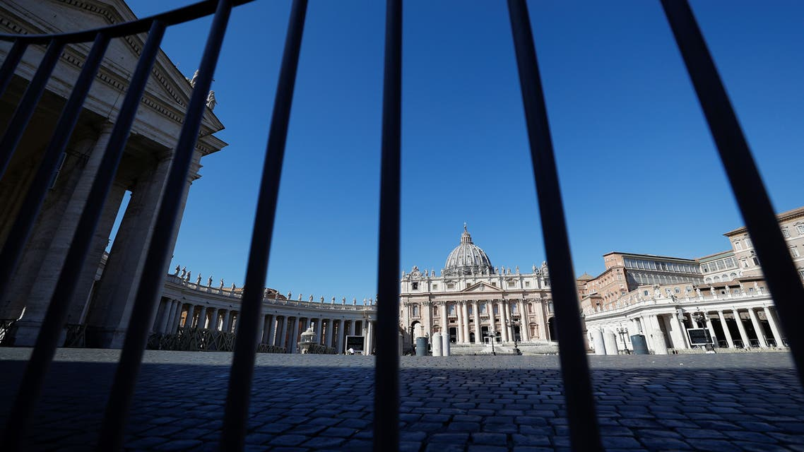 من ساحة القديس بطرس في إيطاليا يوم 10 مارس