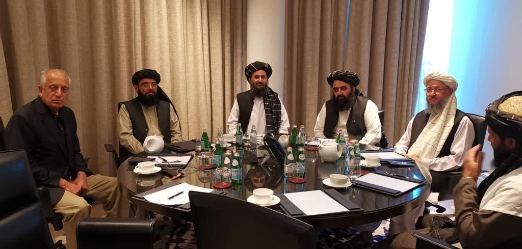 زلماي مع وفد طالبان