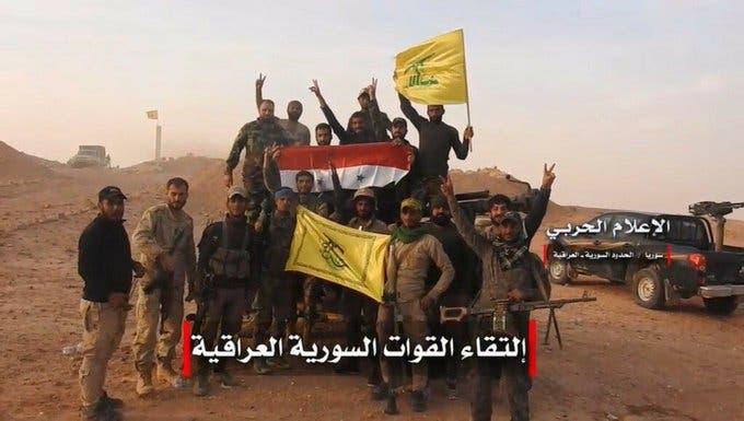 عناصر من حركة النجباء في البوكمال عند الحدود السورية العراقية
