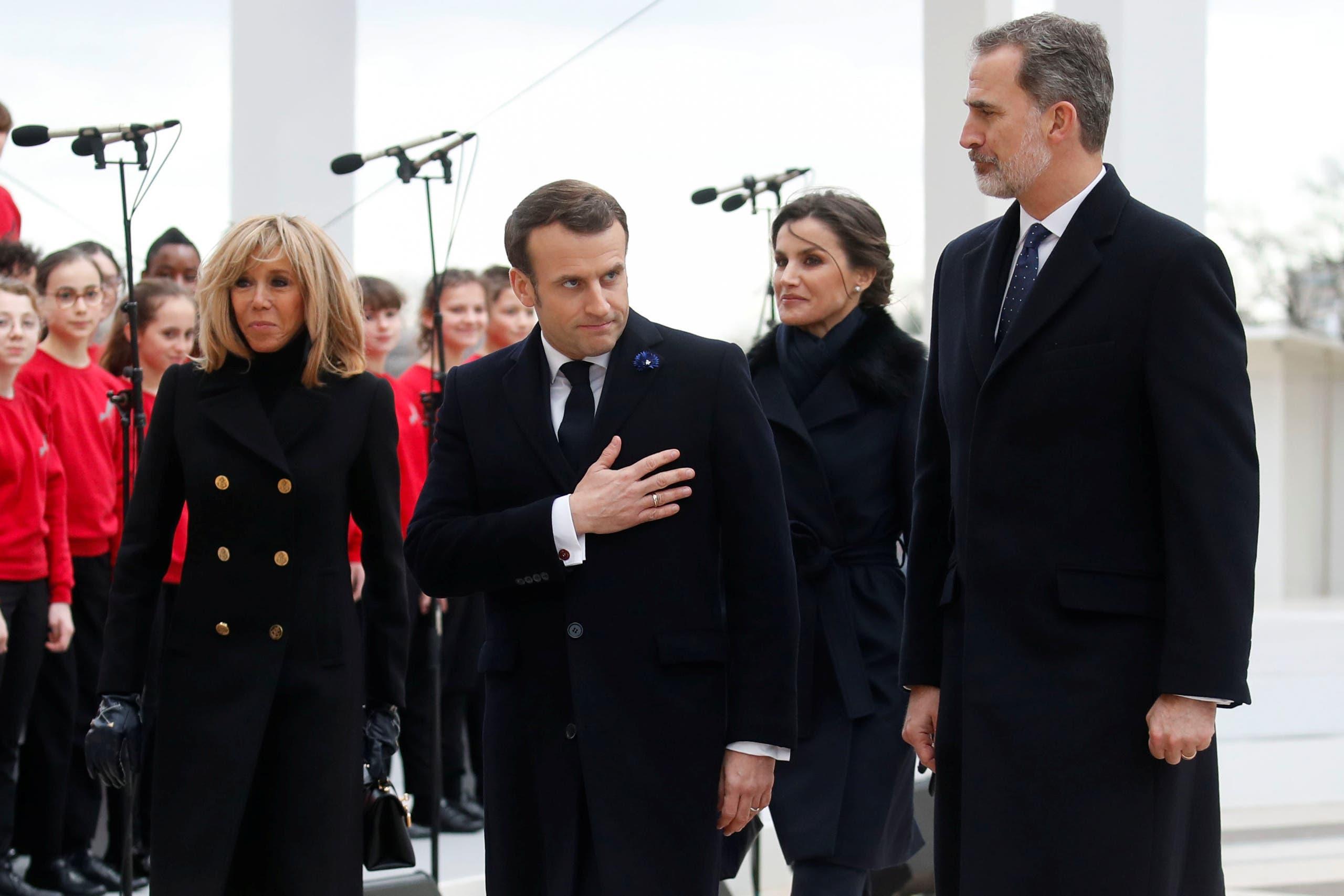 ماكرون خلال استقبال الملك فيليب (فرانس برس)