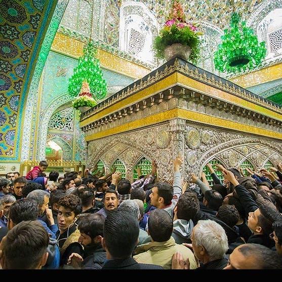 بعد قلق من تغول الوباء.. إيران تغلق أهم أضرحة مشهد