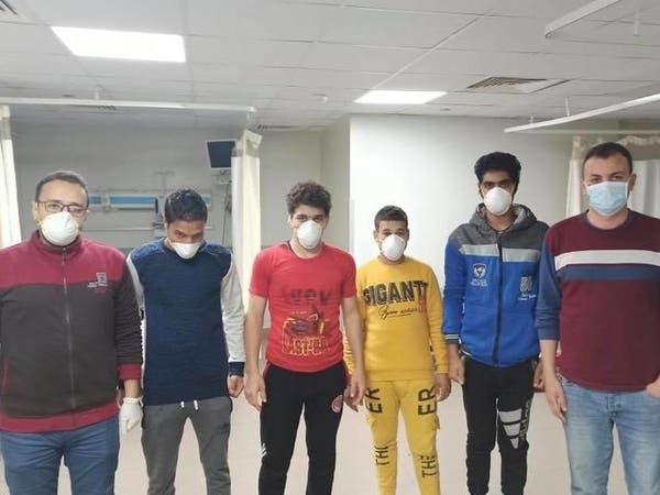 الصحة: مصريون مصابون بكورونا تعافوا بدون أدوية
