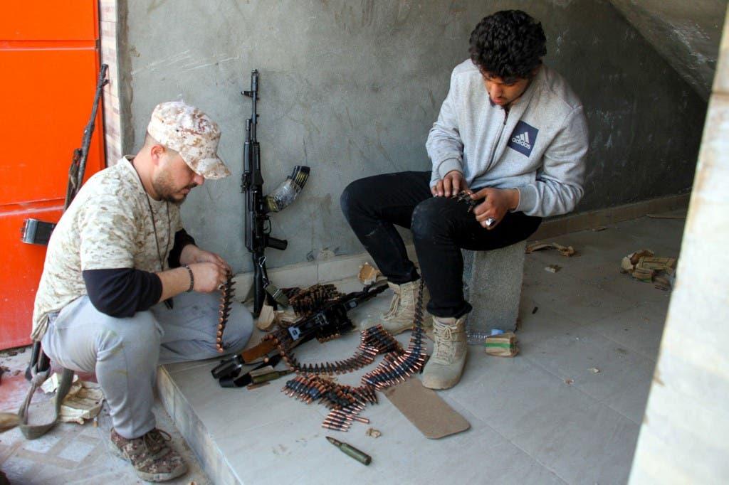 مقاتلون موالون لفصائل الوفاق- فرانس برس