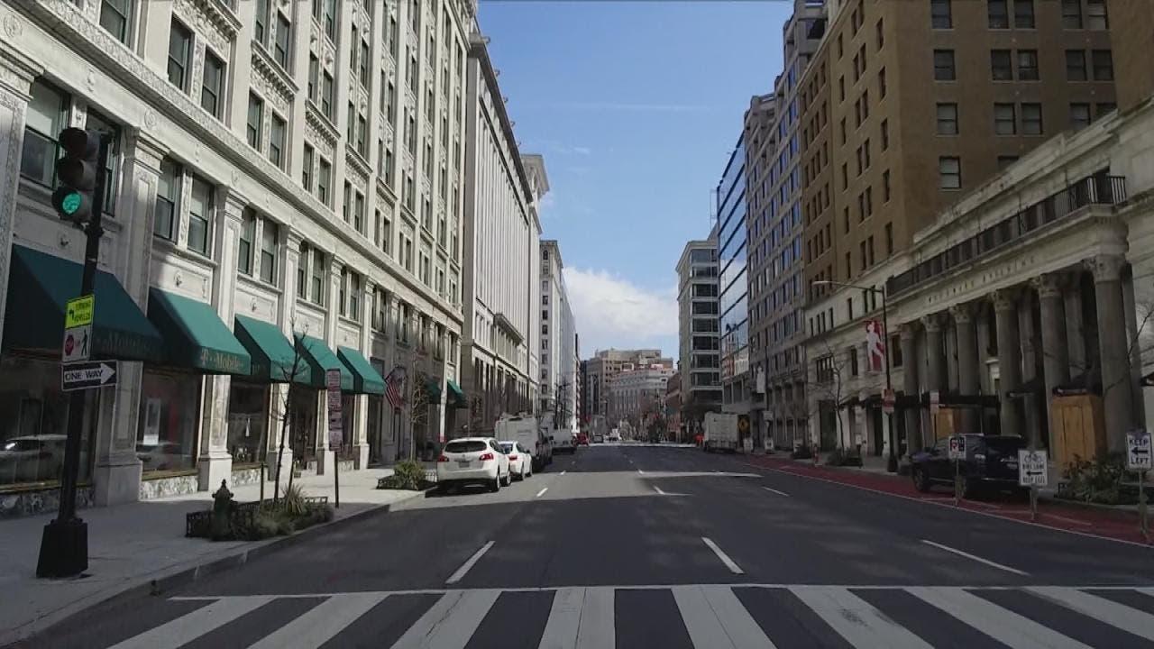 شوارع العاصمة واشنطن تبدو شبه خالية