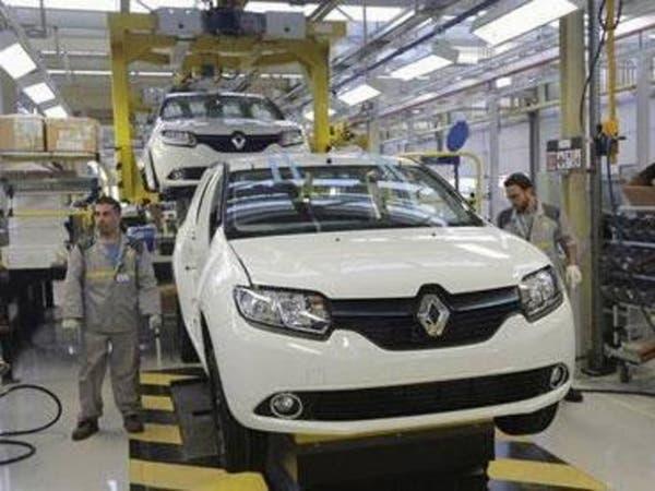 شركة رينو الفرنسية للسيارات توقف مصنعيها بالمغرب