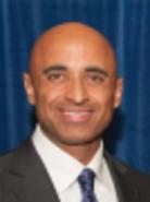 <p>یوسف مانع العتیبه<br /> <br /> سفیر کشور امارات در ایالات متحده</p>