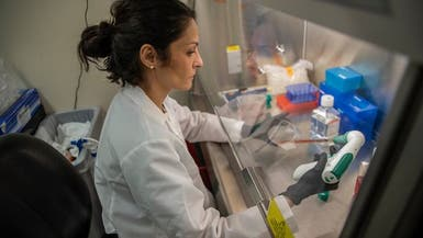 علماء يتعاونون لإيجاد علاج لكورونا.. و50 دواء تجري تجربتها