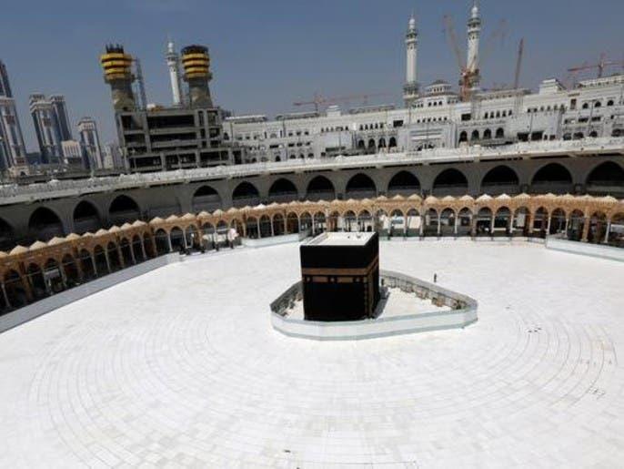 نماز و حضور در صحنهای خارجی حرمین شریفین نیز تعلیق شد