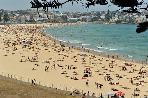شاطئ بوندي في سيدني بأستراليا
