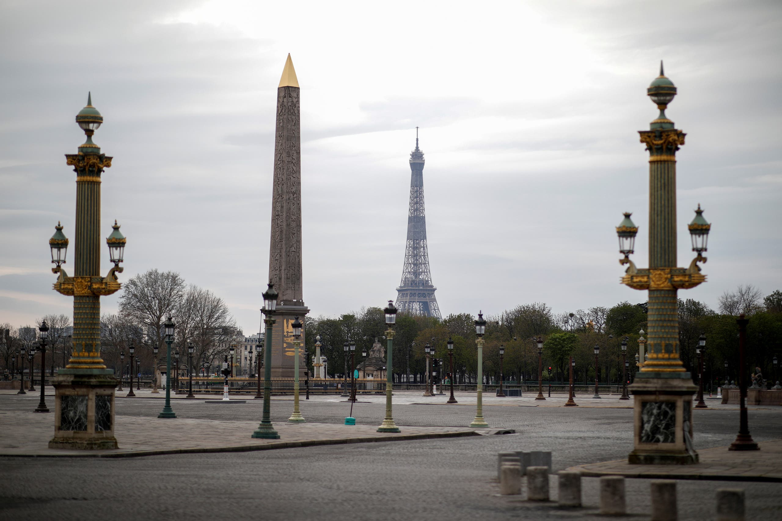 A view shows an empty Place de la Concord in Paris as a lockdown is imposed to slow the rate of the coronavirus disease in France, on March 22, 2020. (REUTERS)