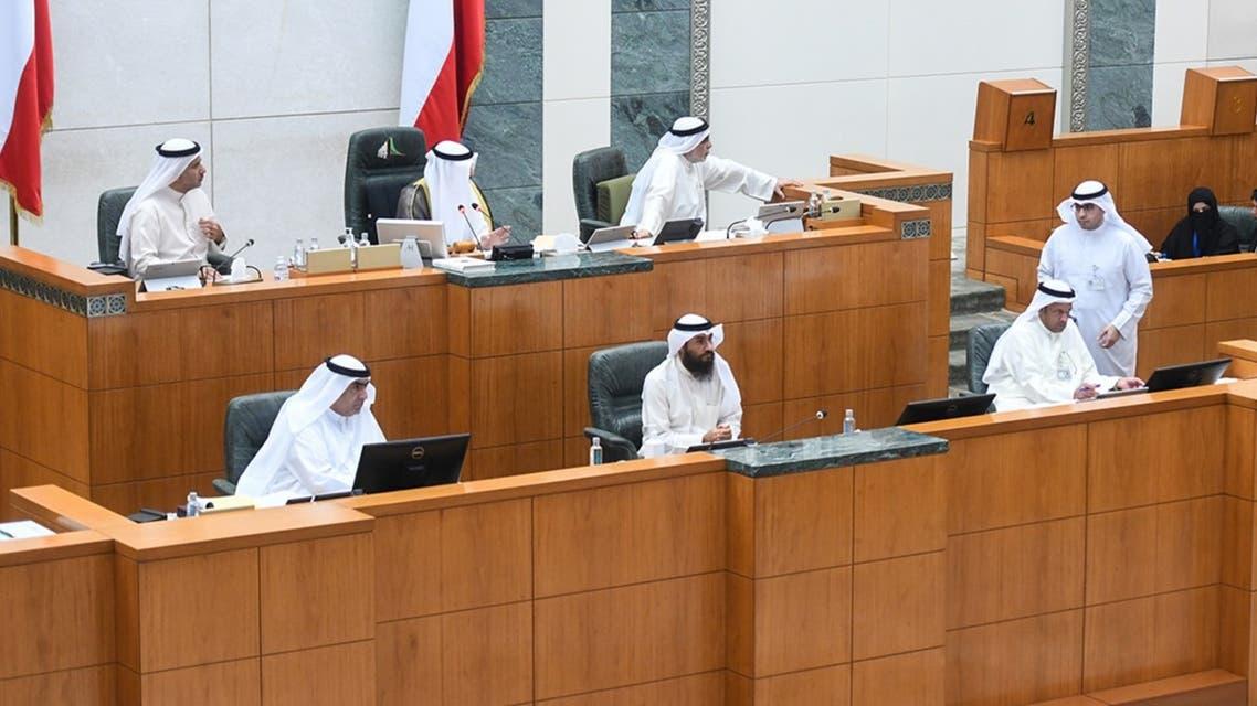 الكويت: رئيس البرلمان يطالب الحكومة بتعديل قانون الدين العام