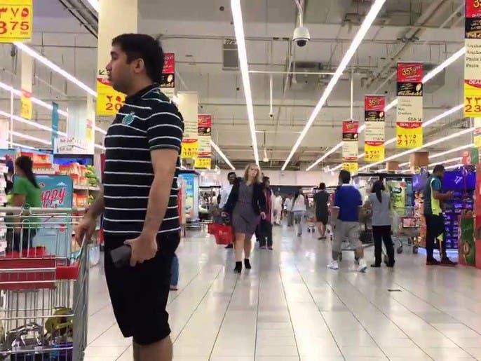 الإمارات: السماح لمنافذ بيع الغذاء والدواء بالعمل 24 ساعة