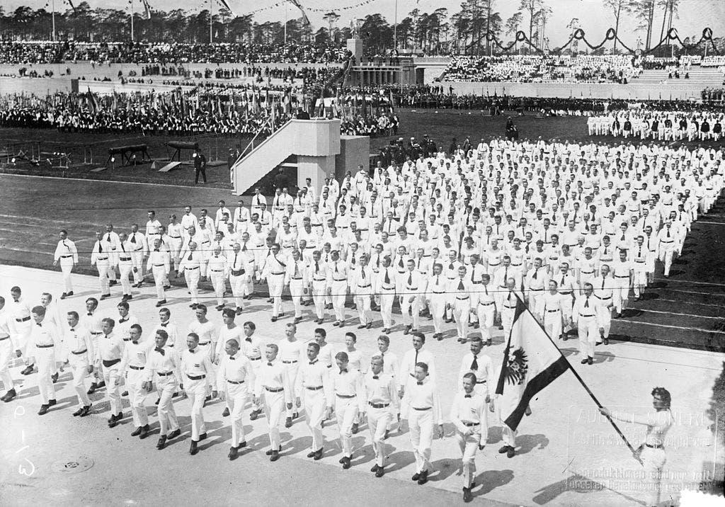 استعراض افتتاح الملعب الألماني ببرلين عام 1913
