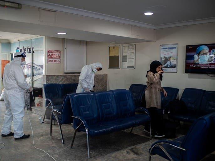 كورونا.. نقل مسافرين أجانب علقوا في مطار إسطنبول إلى شمال تركيا