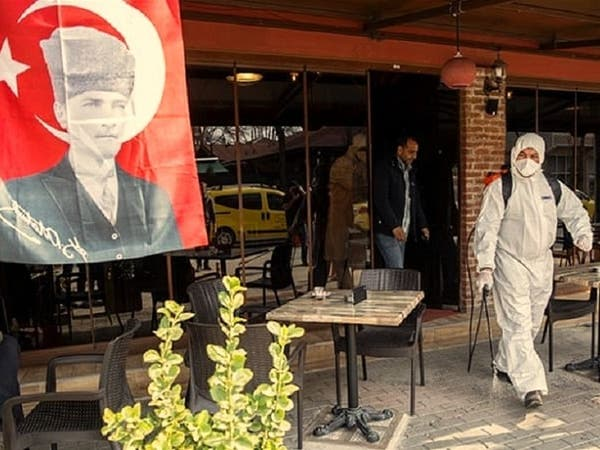 حسبة لخبير تكشف أن تركيا مكتظة بنصف مليون مصاب بكورونا