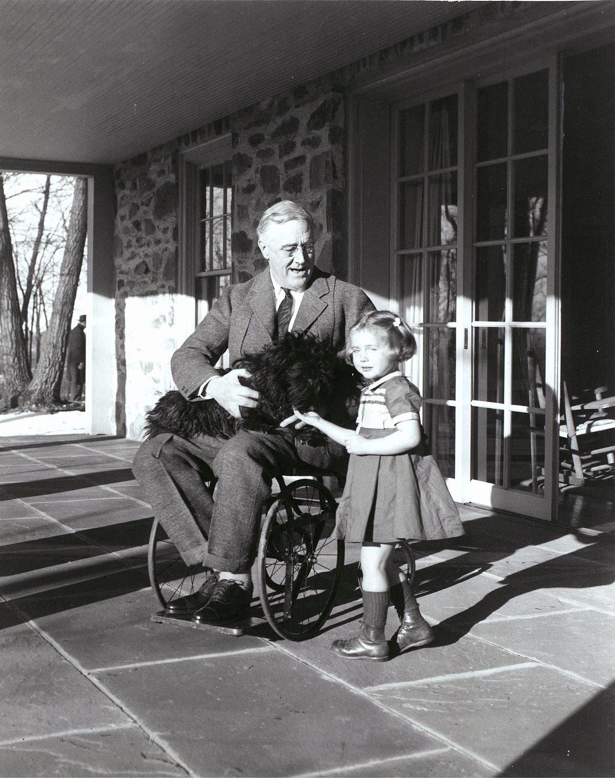 صورة للرئيس الأميركي فرانكلن روزفلت الذي عانى من شلل الأطفال