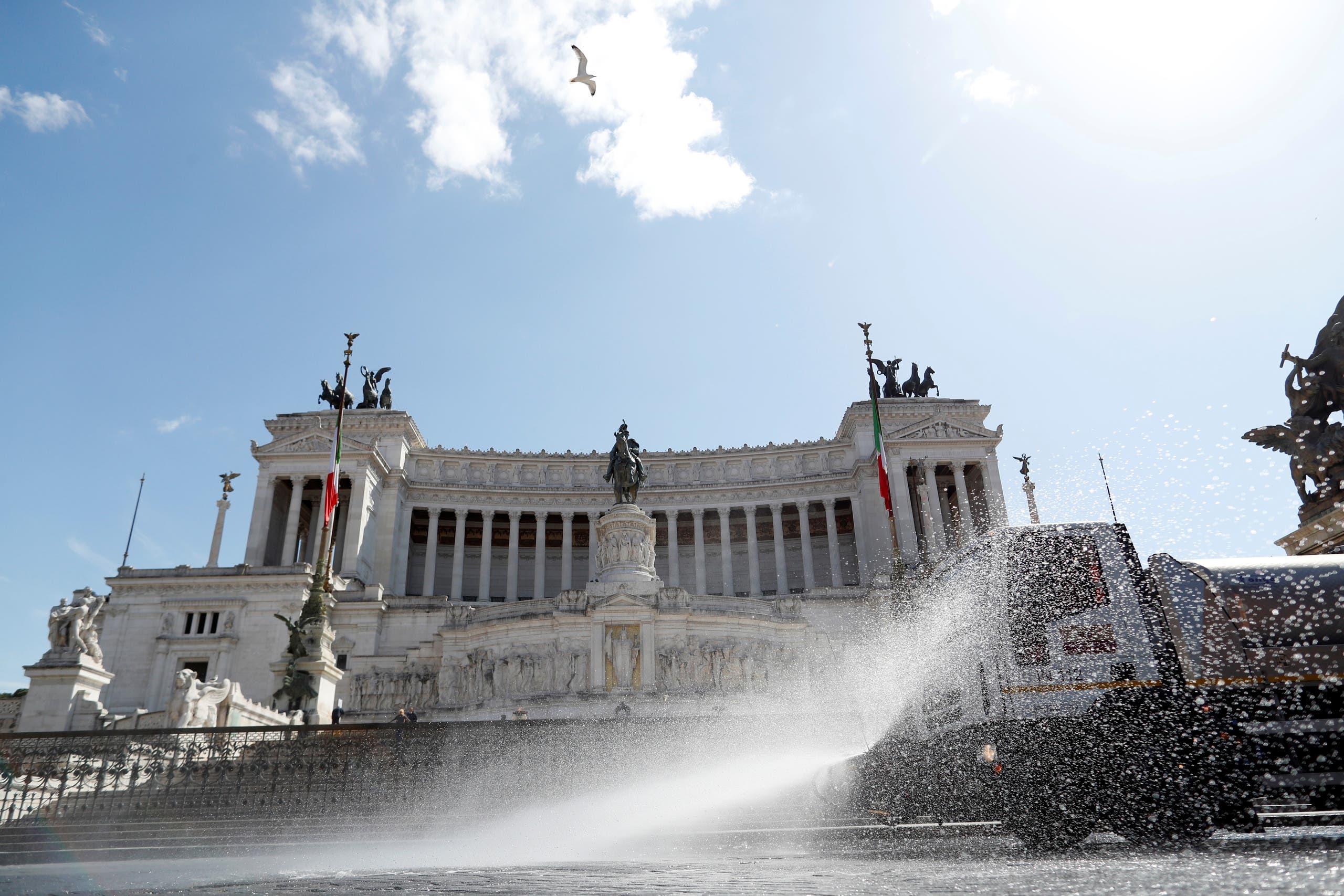 من روما (رويترز)