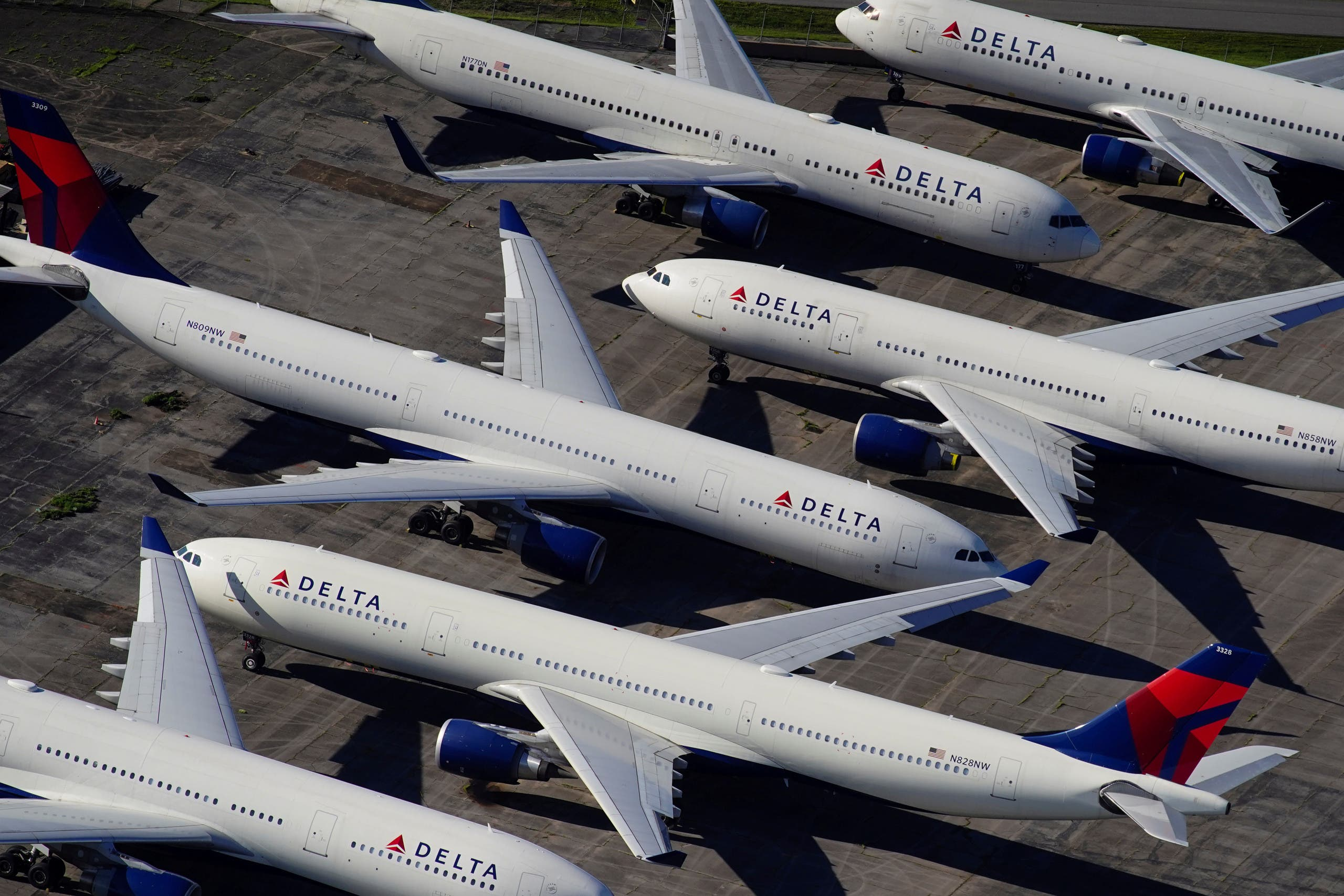 Delta Air Lines passenger planes parked at Birmingham-Shuttlesworth International Airport due to the coronavirus pandemic. (File photo: Reuters)