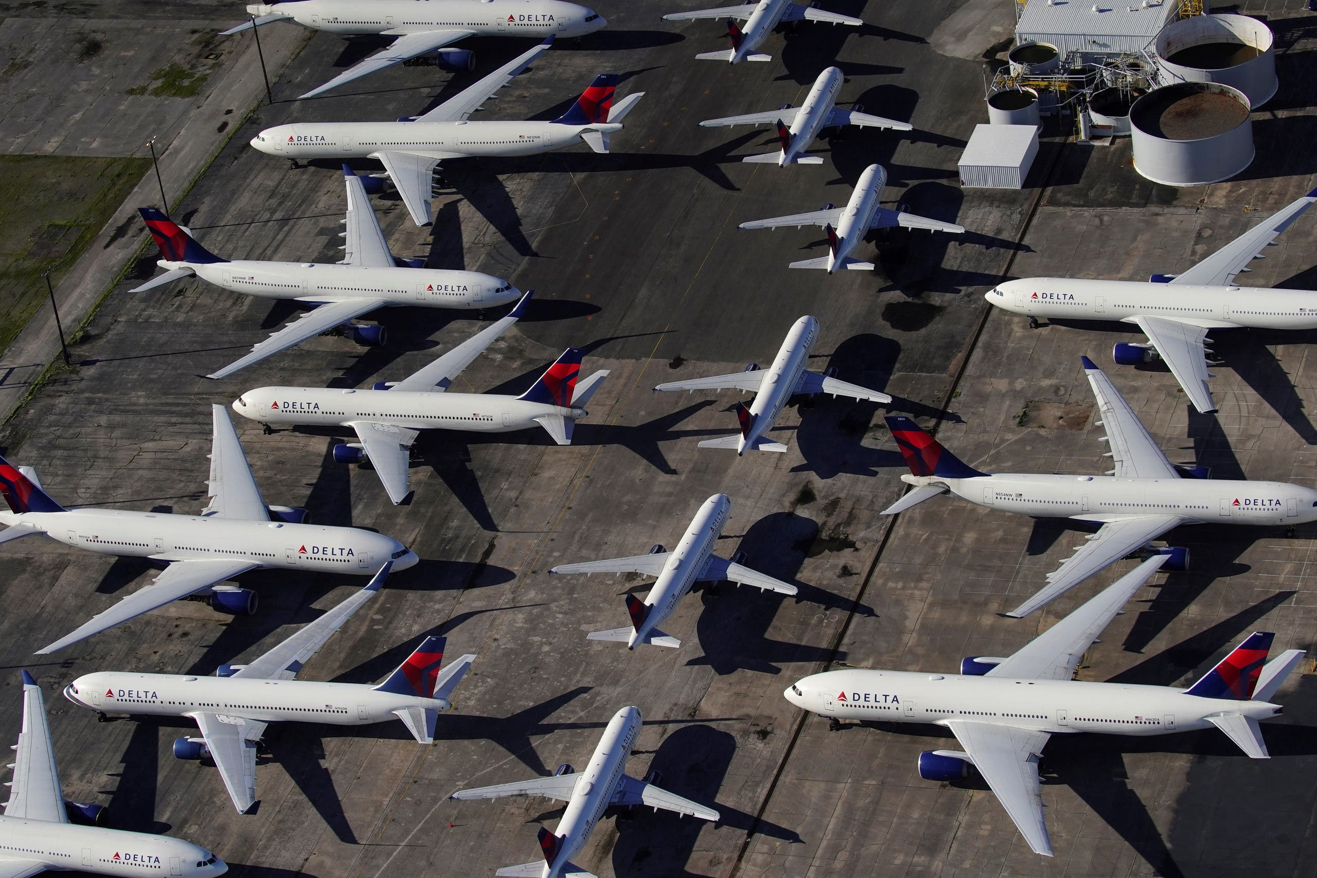 Delta Air Lines passenger planes parked at Birmingham-Shuttlesworth international Airport in Alabama, US, due to the coronavirus pInandemic. (File photo: Reuters)