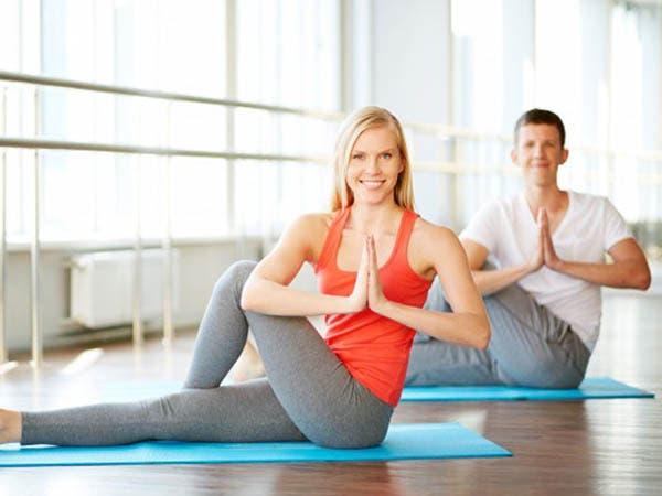 اليوغا والتأمل يؤديان إلى تقوية الجهاز المناعي لدى الزوجين
