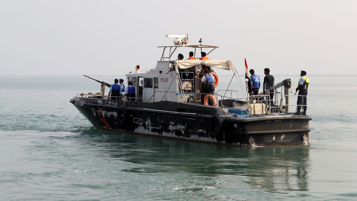 A tug boat (L) ferries members of a Houthi delegation to attend a meeting of a committee overseeing a U.N.-led peace deal that will be held on board a U.N.-chartered ship off YemenÕs port city of Hodeidah September 8, 2019. REUTERS/Abduljabbar Zeyad