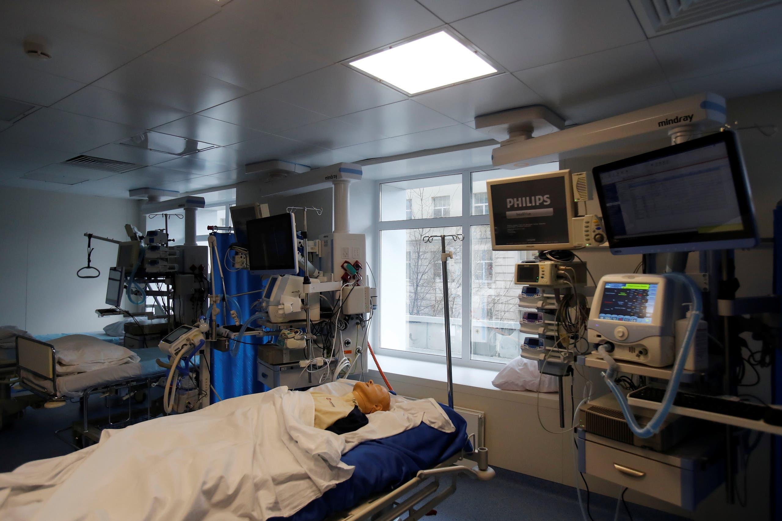 من وحدة العناية المركزة قبل افتتاح قسم جديد لعلاج المرضى المصابين بكورونا في مستشفى بموسكو يوم 3 أبريل