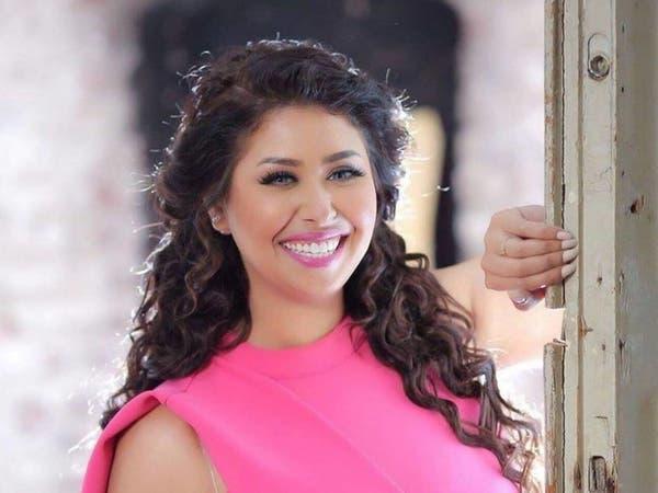 مطربة مصرية مهددة بالحبس والشطب بسبب كورونا