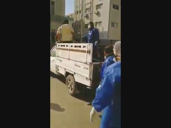 كارثة ببورسعيد .. متوفى بكورونا يُنقل بعربة مكشوفة!