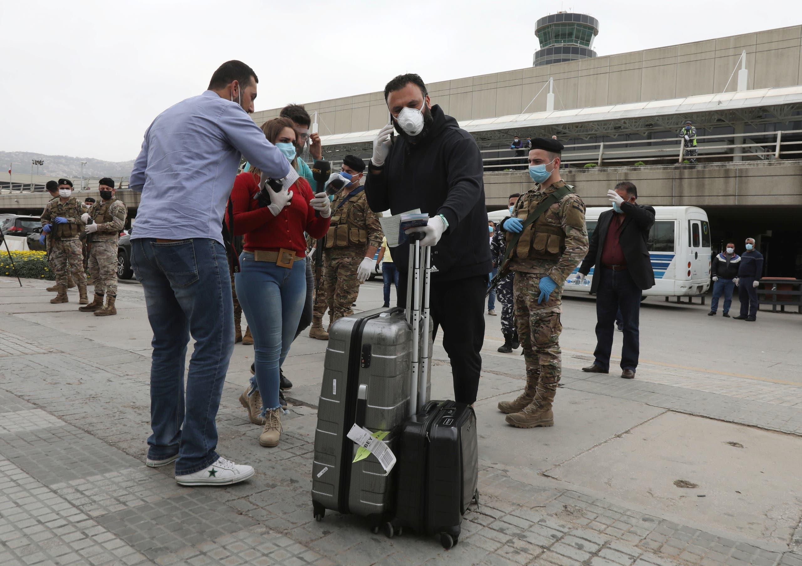 مسافرون وصلوا اليوم من الخارج إلى مطار بيروت