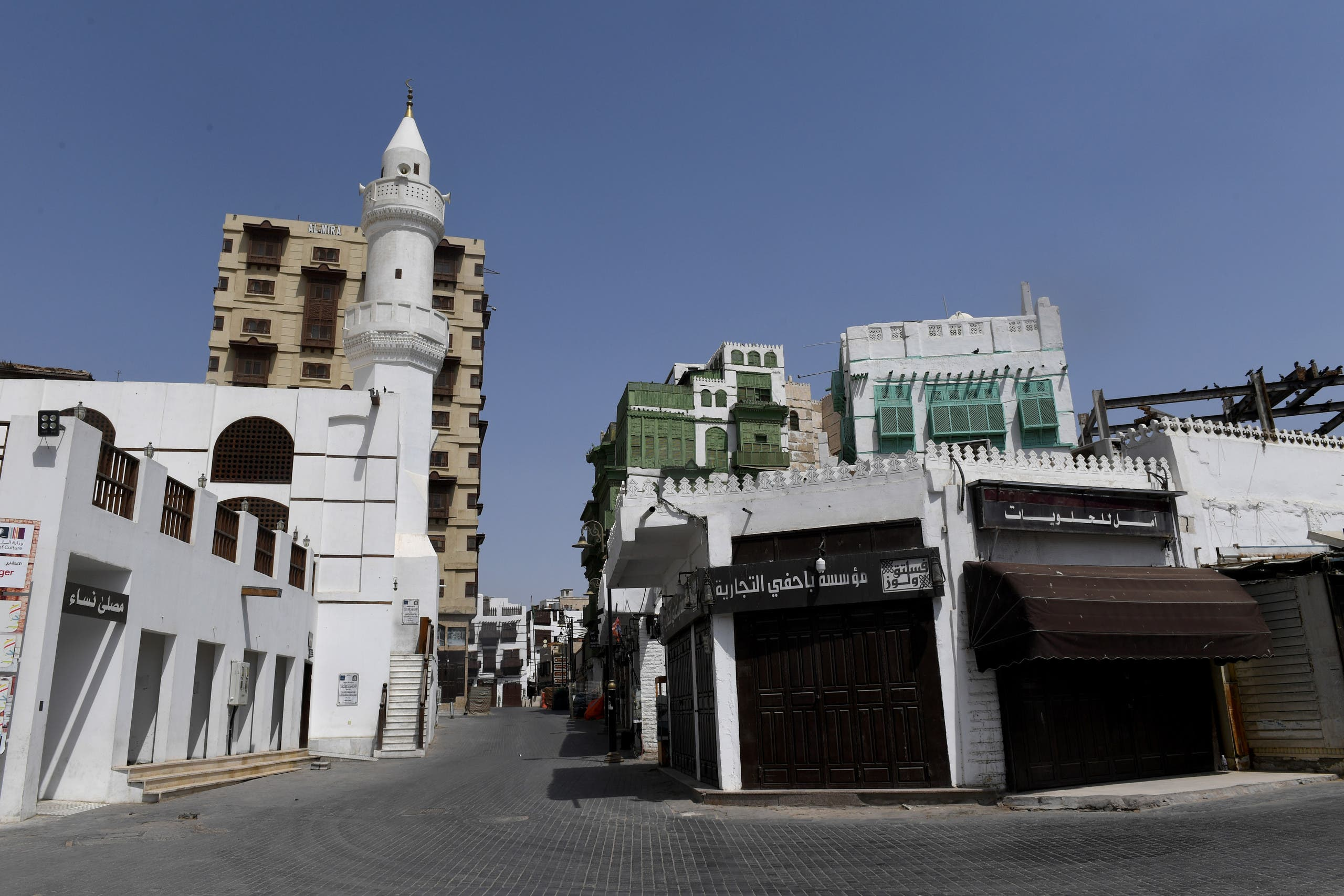 A picture taken on April 2, 2020 shows the deserted old town of Saudi Arabia's Red Sea coastal city of Jeddah. (AFP)