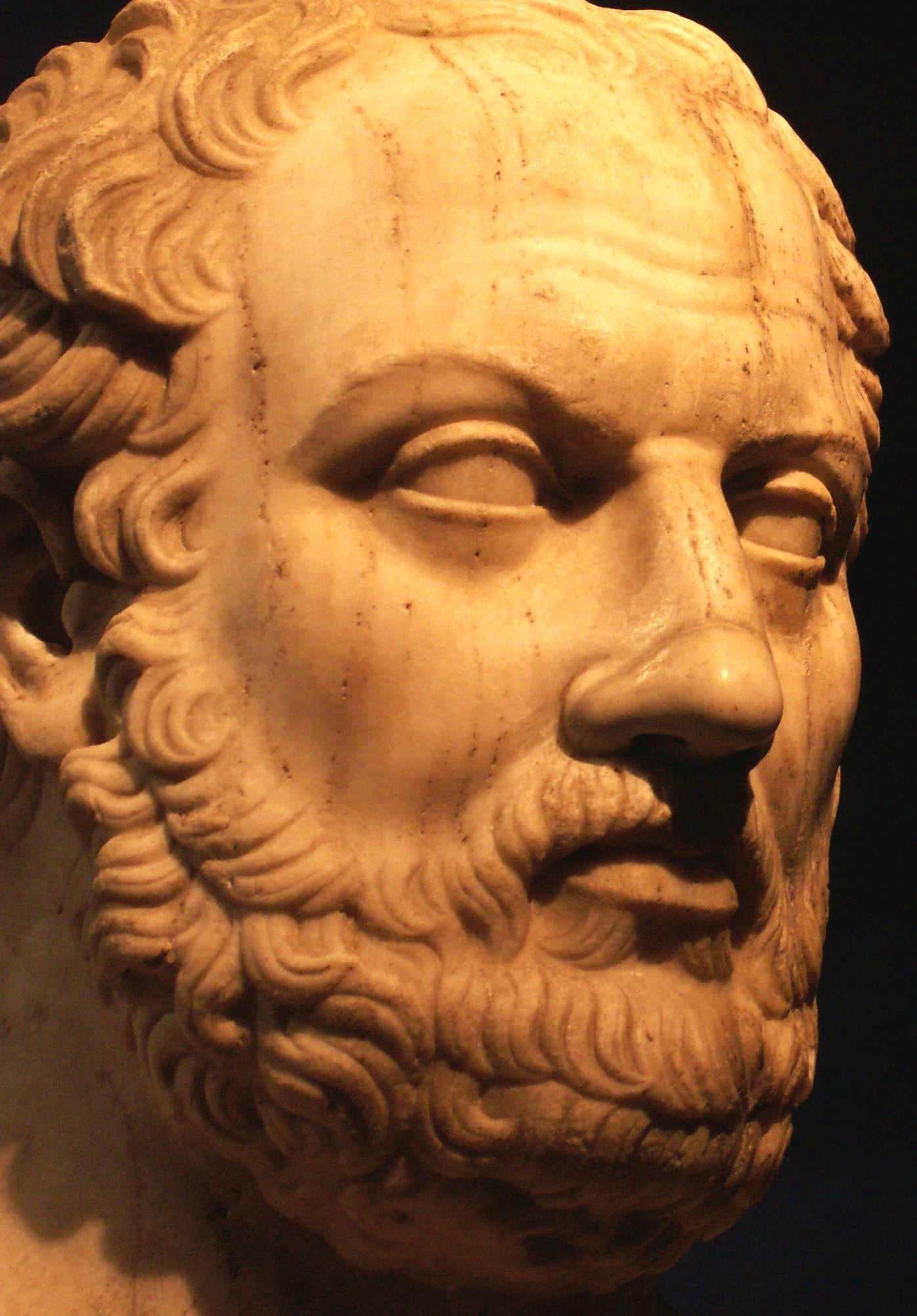 تمثال نصفي يجسد المؤرخ ثوسيديديس
