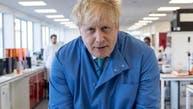نخست وزیر بریتانیا به بخش مراقبتهای ویژه منتقل شد