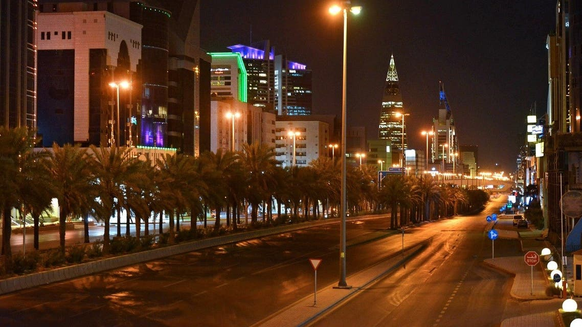 A picture taken on March 23, 2020, shows the empty King Fahd road in the Saudi capital Riyadh after authorities imposed a curfew. (File photo: AFP)