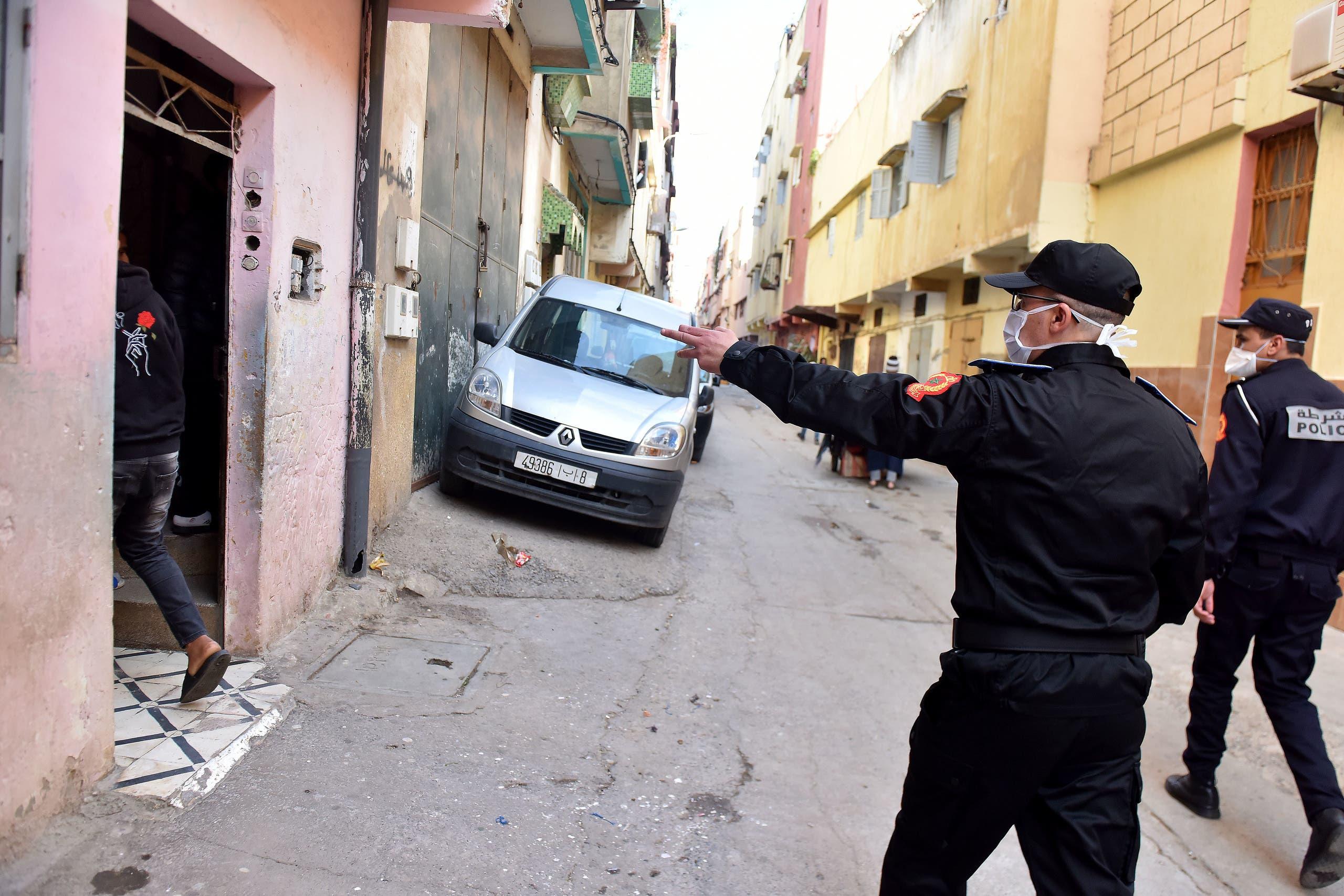 الشرطة قي الانبعاث أكبر حي شعبي في مدينة سلا بقرب العاصمة المغربية الرباط