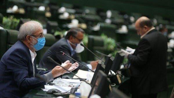 برلمان إيران الجديد يجتمع رغم تفشي كورونا