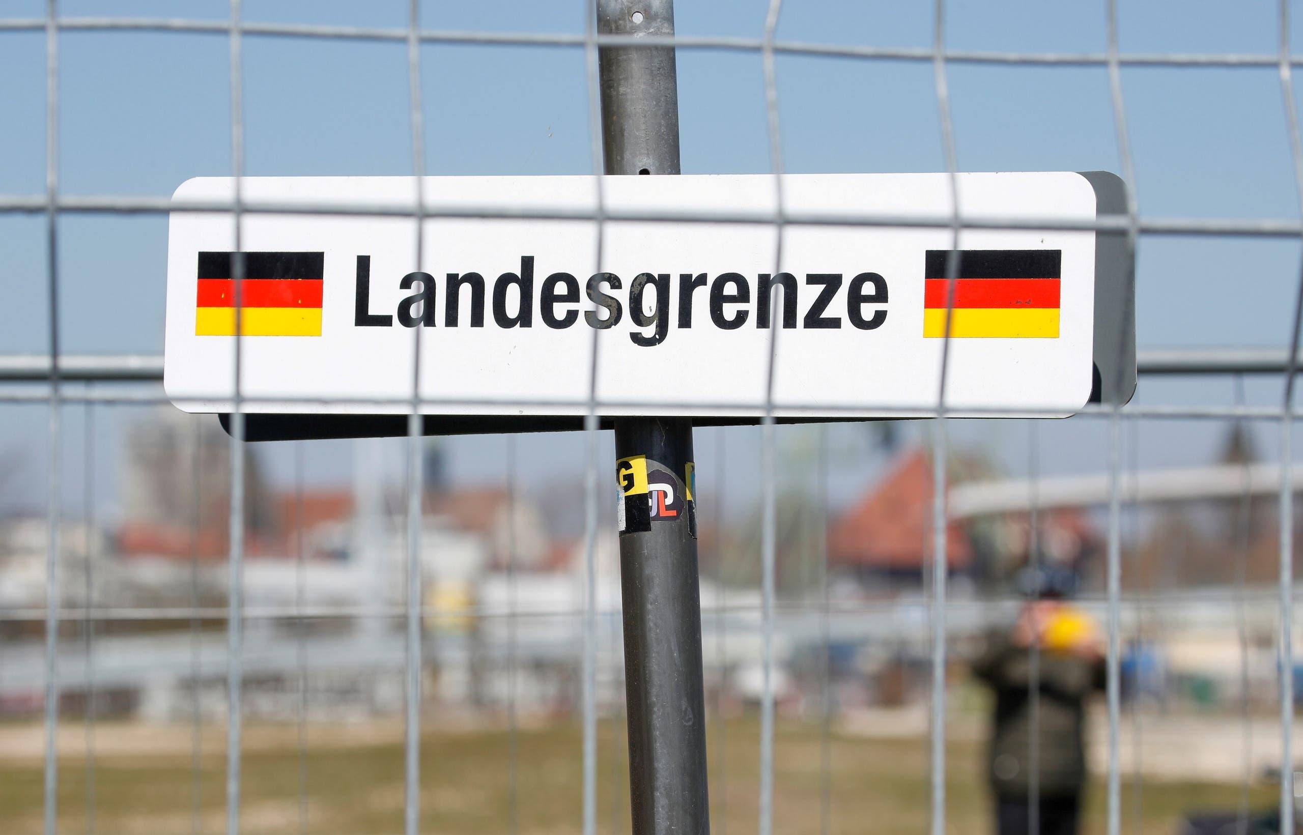 Swiss German Distancing