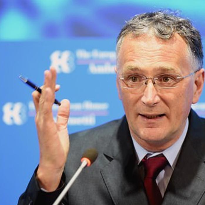 كورونا يضني أوروبا.. استقالة مسؤول كبير بالاتحاد بسبب الوباء