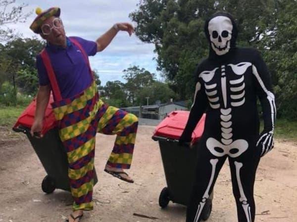 ماذا فعل العزل بالأستراليين.. هكذا يخرجون للتخلص من القمامة!