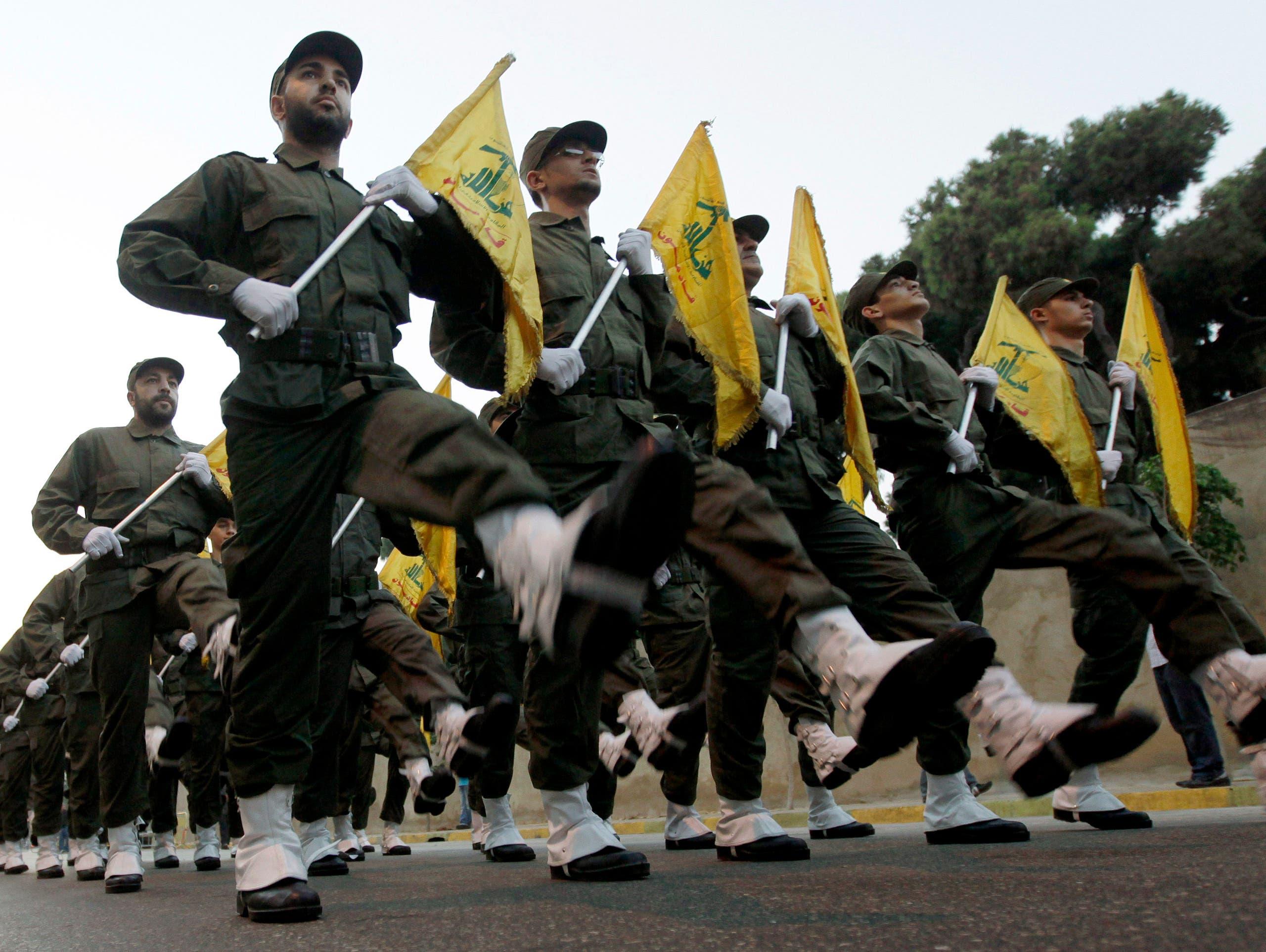 عناصر من حزب الله خلال عرض عسكري في الضاحية الجنوبية لبيروت (أرشيفية)