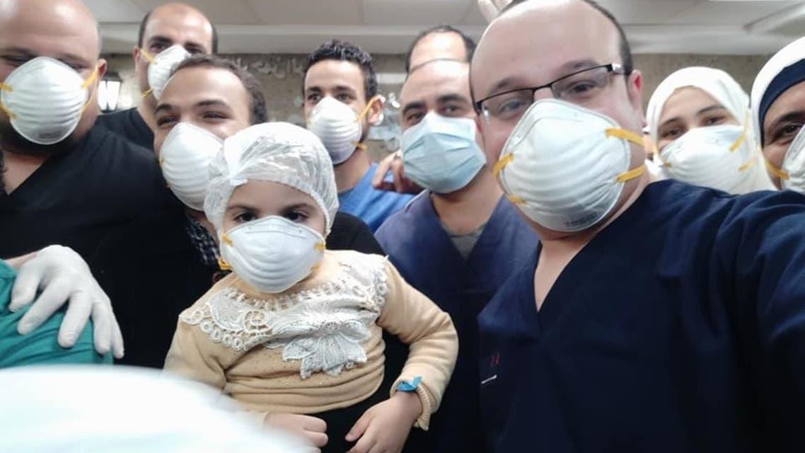الطفلة مانويلا اصغر مصابة بكورونا في مصر