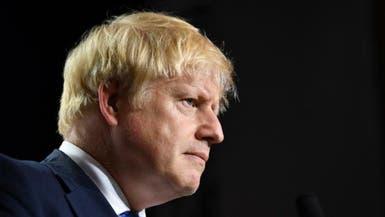 """جونسون """"يتعافى"""" من كورونا.. وحكومته تحت نيران الانتقادات"""
