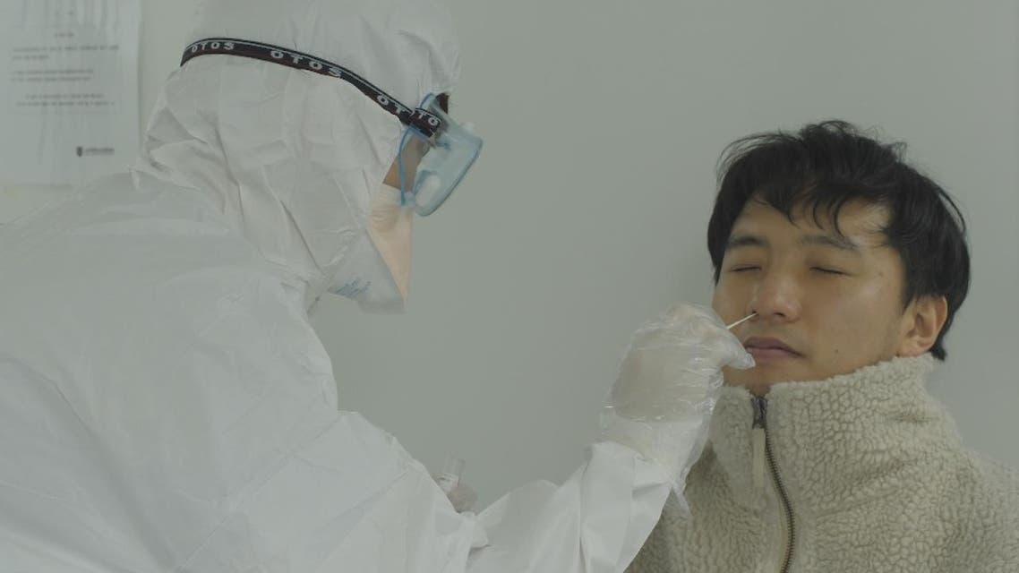 كوريا الجنوبية تقلص عدد الإصابات اليومي بفيروس كورونا