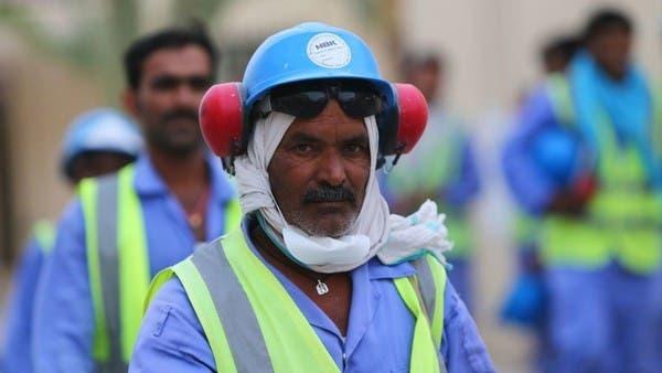 تقرير: كورونا ينتشر بين العمالة بقطر وسوء المعاملة مستمر