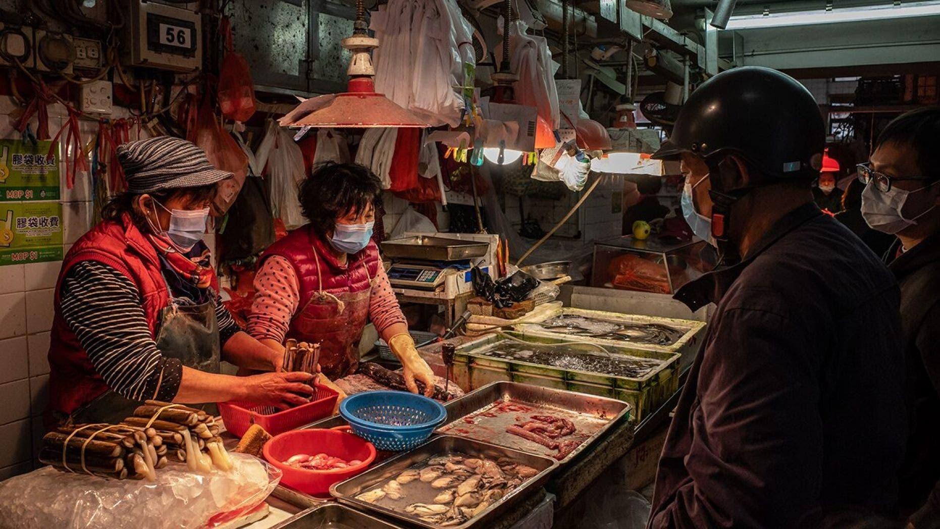 من أسواق لحوم الحيوانات البرية بالصين